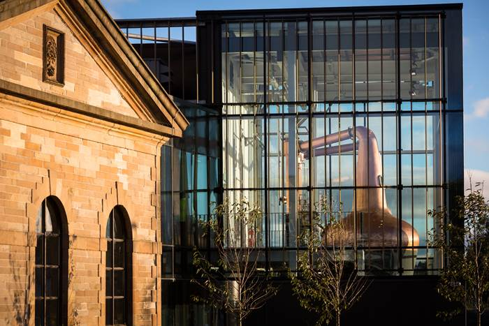 External image of The Clydeside Distillery with the original Pumphouse and modern, glass Still House